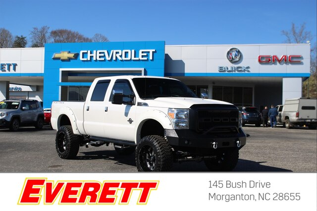 Pre-Owned 2015 Ford F-250 Platinum Lifted Crew Cab 4x4