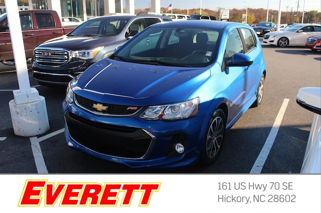 Certified Pre-Owned 2017 Chevrolet Sonic LT Auto w/1SD