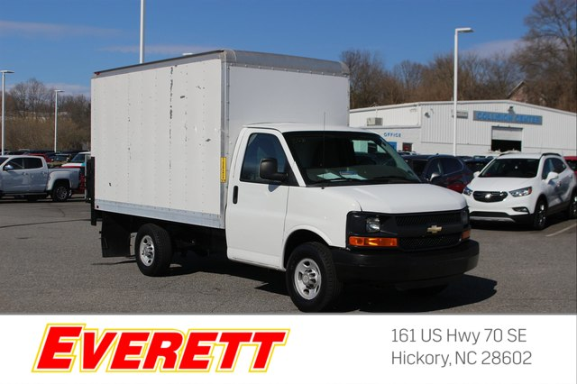 Pre-Owned 2014 Chevrolet Express Cutaway 12' Hi Cube Tommy Liftgate SRW